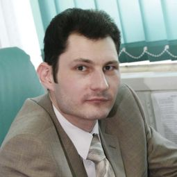 Игорь Неустроев