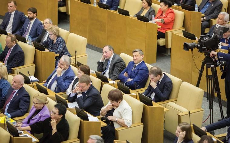 Депутаты предложили: самые яркие законодательные инициативы месяца