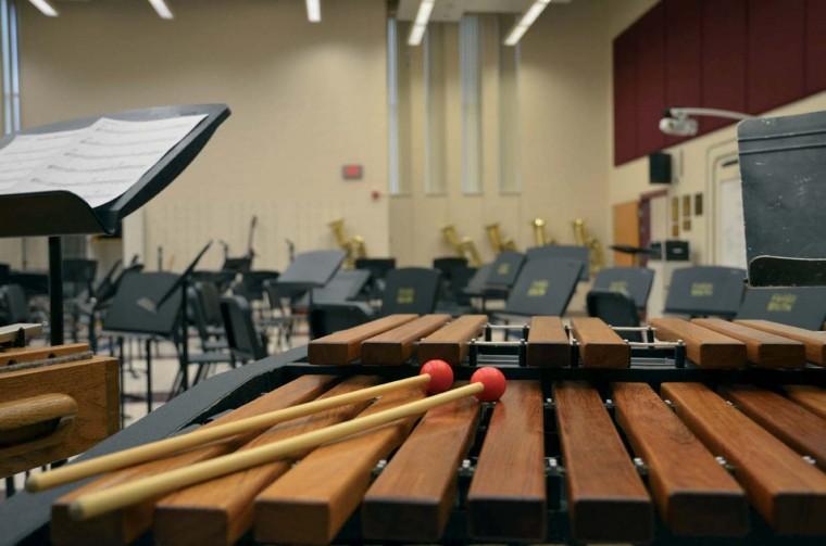 Учиться музыке