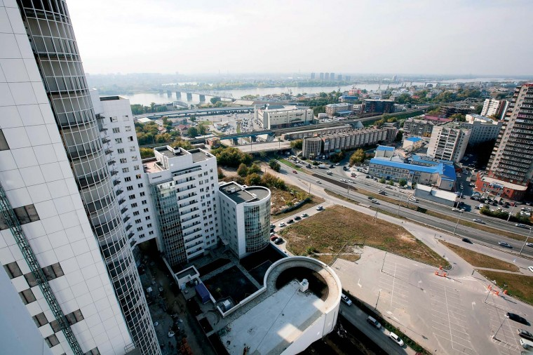 Парковки в Новосибирске: перехватывающие, механизированные и платные