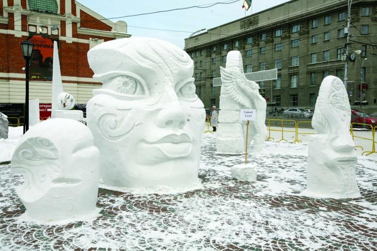 Новогодний Новосибирск: свет, лед и елки