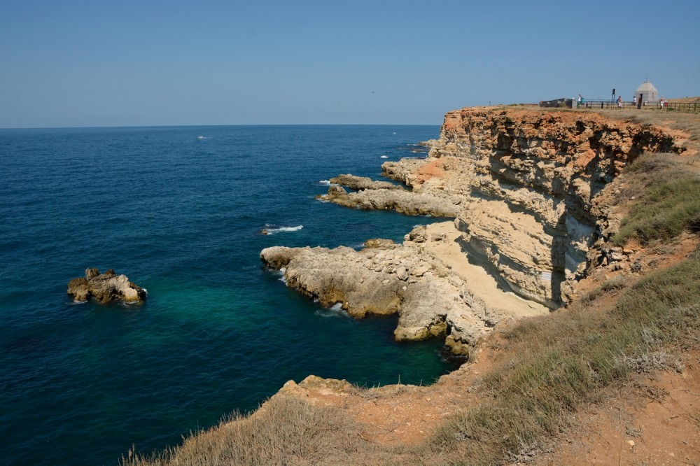 Названы курорты Крыма с самыми дешевыми квартирами у моря