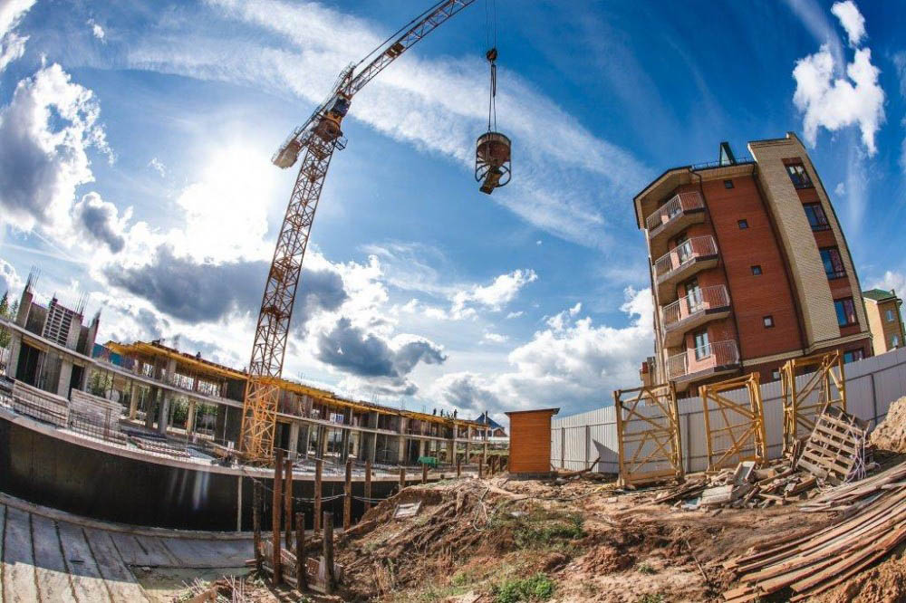 Строительство более 100 жилых проектов поддержат власти в 2018 году