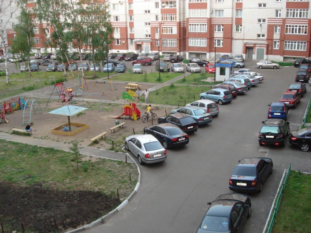 В Новосибирске составлен рейтинг районов по обеспеченности гаражами и парковками