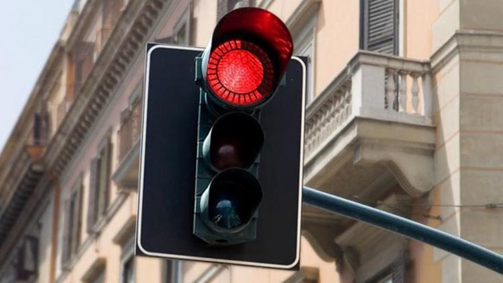 «Умные» светофоры испытают на ул. Семьи Шамшиных