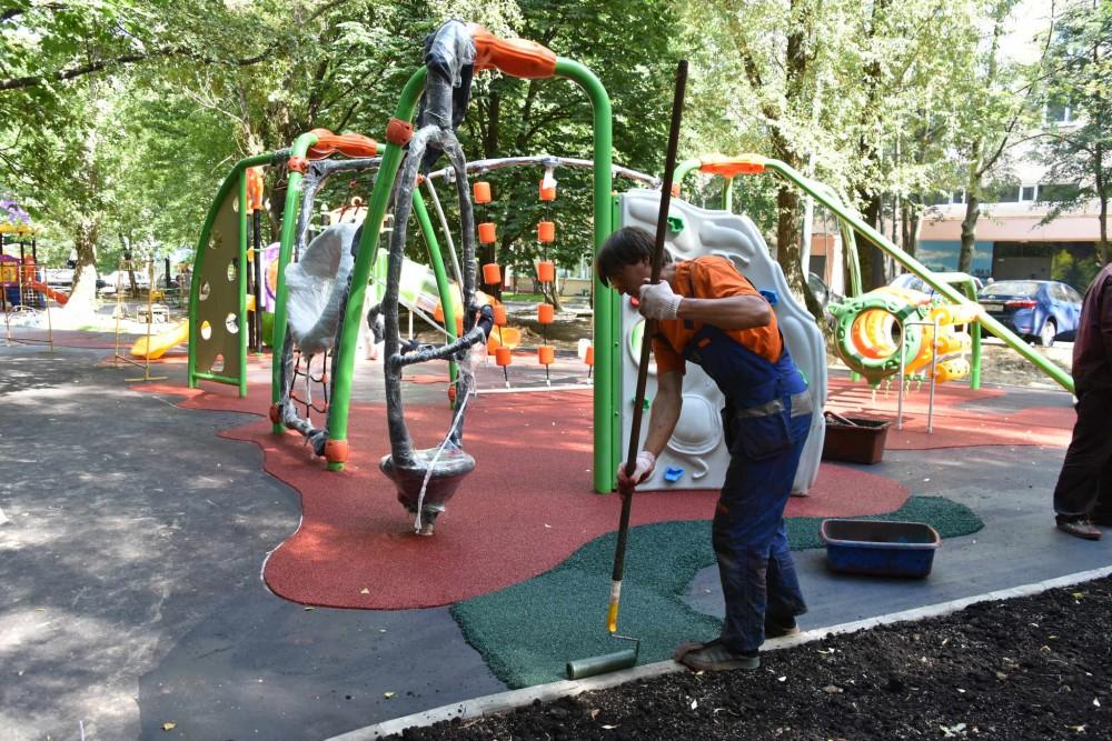 По муниципальной программе в Новосибирске будут благоустроены 83 двора