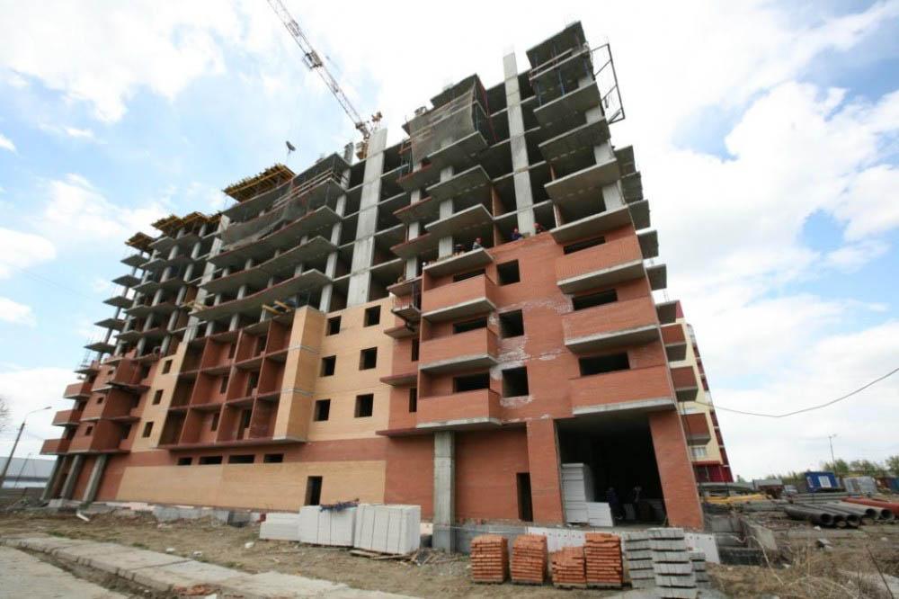 Средняя площадь строящихся квартир в России