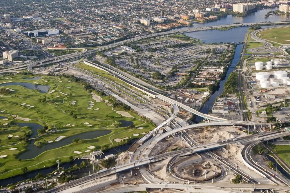 Минстрой будет софинансировать строительство транспортной, инженерной и социальной инфраструктуры в рамках нацпроекта