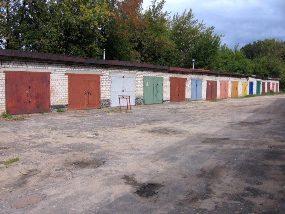 В  городах России дорожают гаражи
