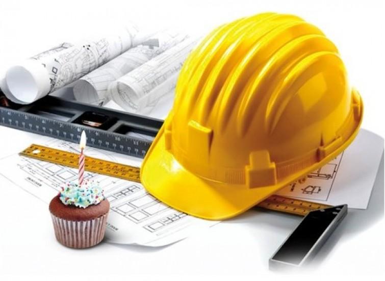 Блиц-опрос: День строителя!