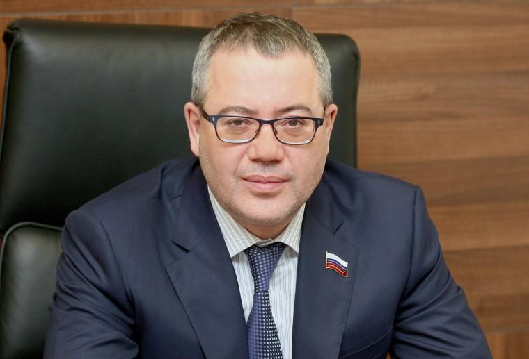 Илья Поляков: «За 10 лет Новосибирск может избавиться от аварийного жилья»